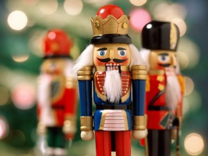 Nutcrackers-christmas-2735743-1024-768