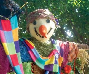 scarecrows_gettting-ready-winter