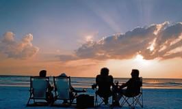 Siesta___Enjoying_a_Sunset_S6xihRpihZPXbShL2_P27cn_cmyk_l-1