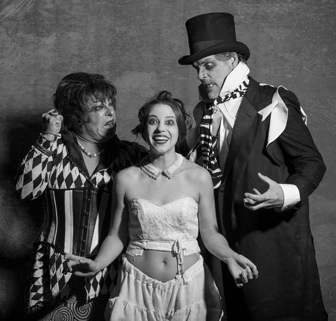 Don Finney (left) as Mrs. Peachum, Stephanie Lloyd as Polly Peachum, Kevin Stillwell as JJ Peachum. Photo: Stungun Photography