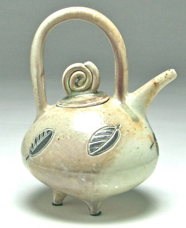 Teapot by Isis Dudek, also at Odyssey.