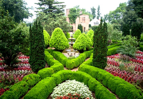 Barnsley Resort invites visitors to explore the ruins of the 19th-century manor house ruins and its lush gardens. Photo: Barnsley Resort