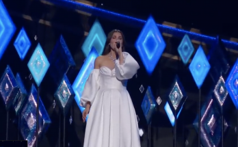 "Idina Menzel performs ""Into the Unknown"" at the 2020 Oscars"